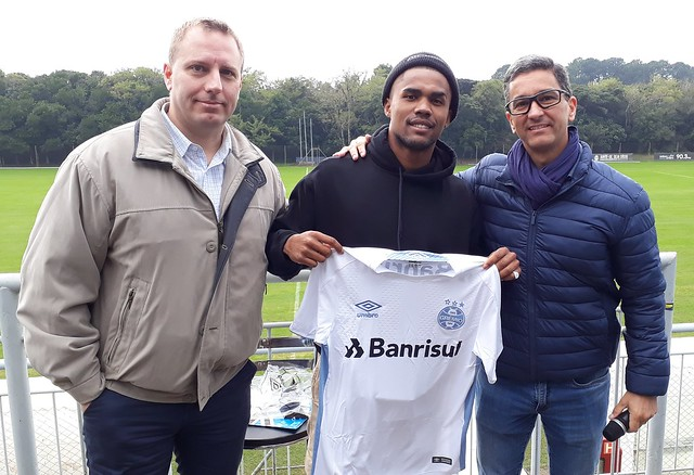 Douglas Costa no CT de Eldorado - 26/06/2019