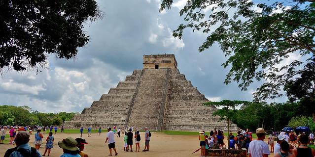 MEXICO, Yucatán, Chichén Itzá, Kukulcán-Pyramide,  19001/11659