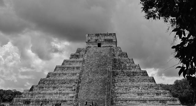 MEXICO, Yucatán, Chichén Itzá, Kukulcán-Pyramide, 19002/11660