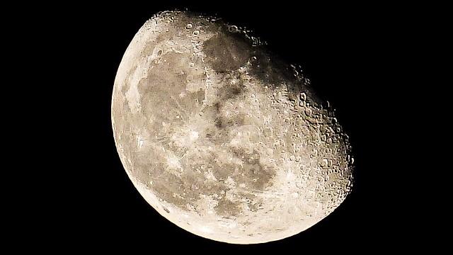 Moonlight, Dubai