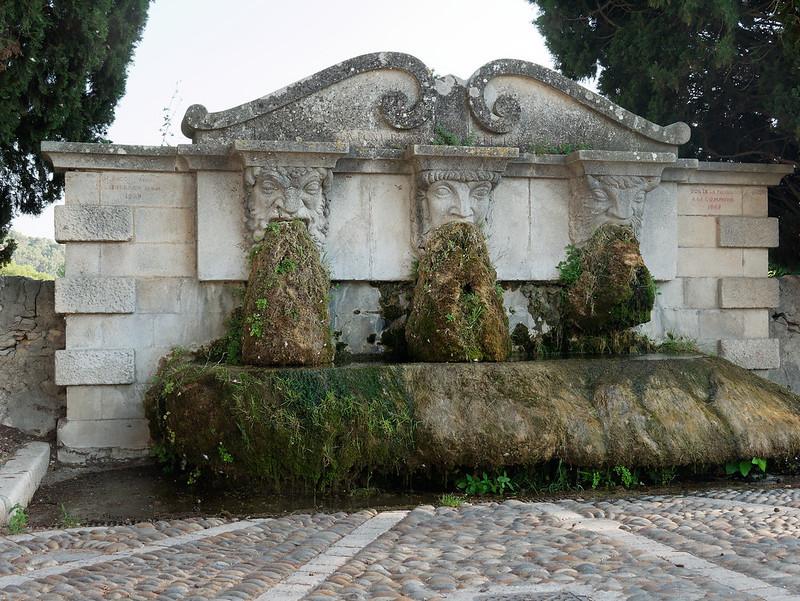 Fontaines de France et d'ailleurs - Page 4 48145003376_2f3e7e3ed4_c