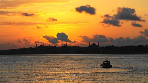 kadıköydengünbatımı günbatımı sunsetatistanbul sunset bluemosque hagiasophia ayasofyacamii sultanahmetcamii