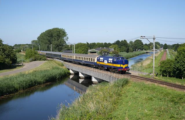 Railexperts 1251   Tiel-Passewaaij