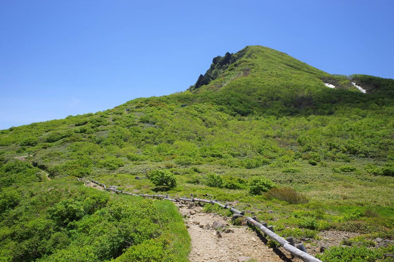 夏の磐梯山登山