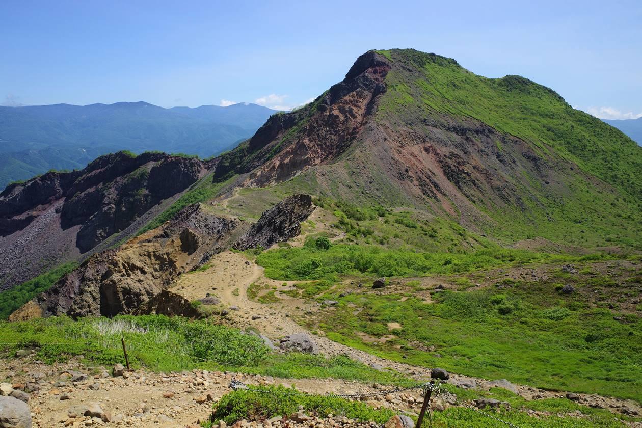 湿原から眺める櫛ヶ峰