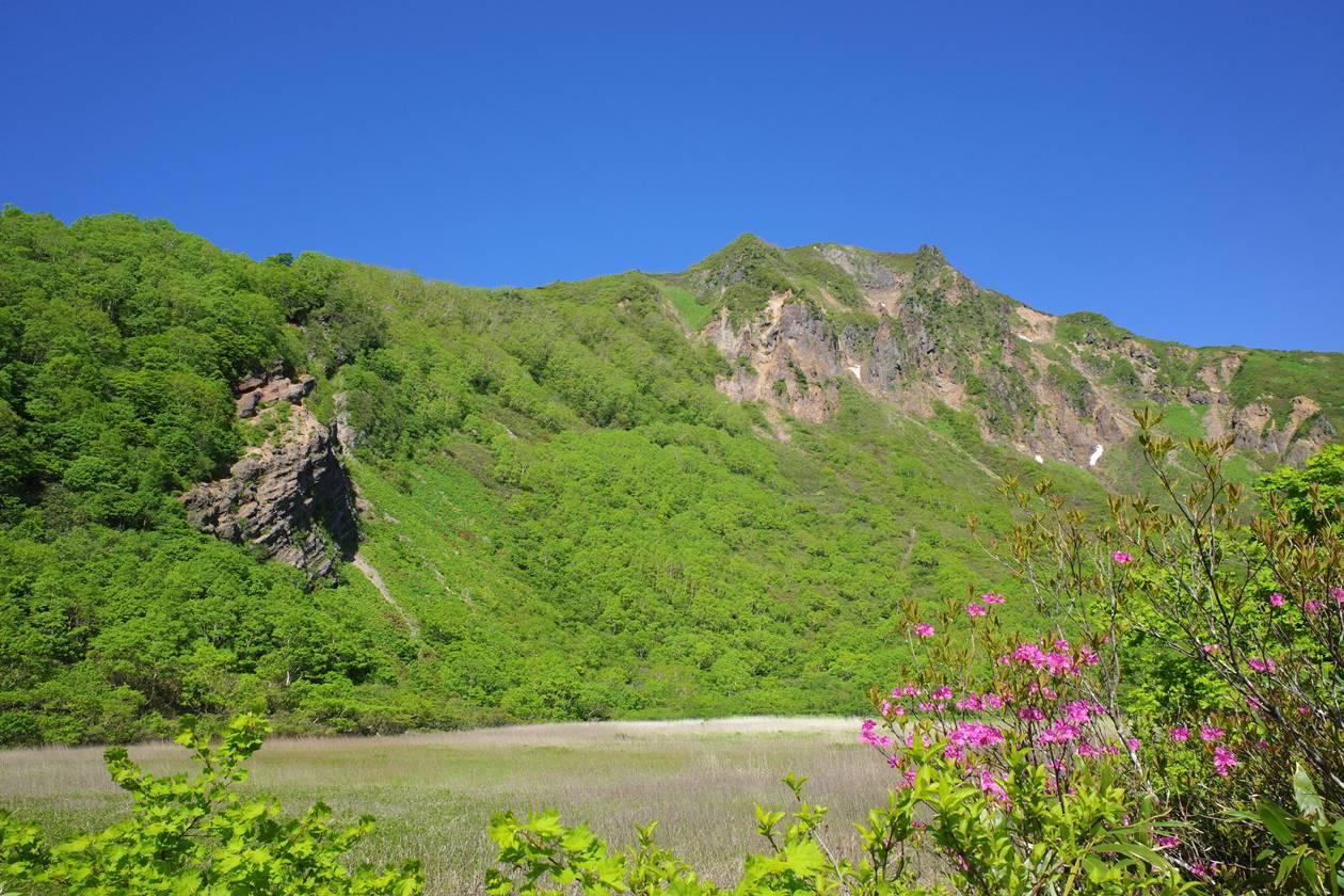 表登山道(猪苗代コース)から眺める磐梯山