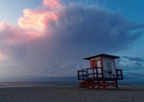 olympus ep5 panasonic 12mm32mm beach sunrise june 2019 cocoabeach florida lifeguardtower atlantic ocean