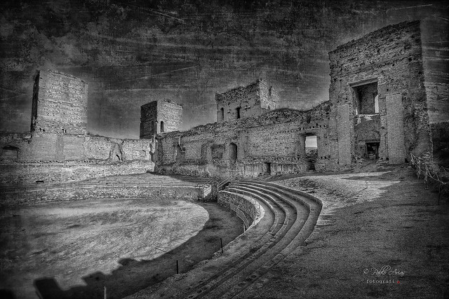 (164/19) Castillo de Buitrago de Lozoya bn