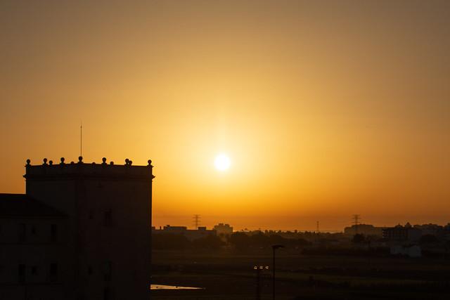 Salida del sol sobre Alboraya vista desde Valencia 01