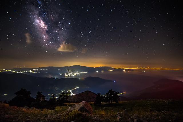 Milky Way rises over Corinth gulf