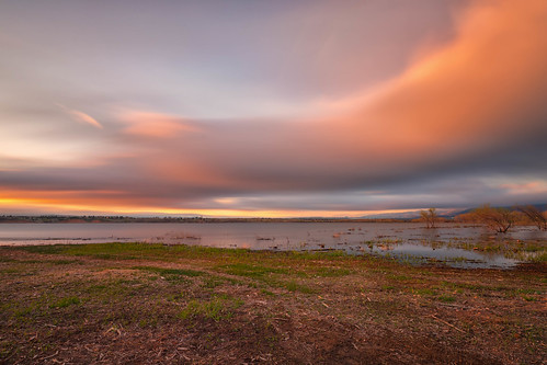 sunrise dawn daybreak clouds lake landscape lakechatfield chatfieldstatepark colorado le longexposure