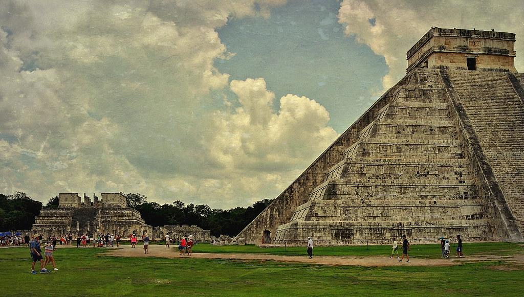 MEXICO, Yucatán, Chichén Itzá, Kukulcán-Pyramide, 19010/11668