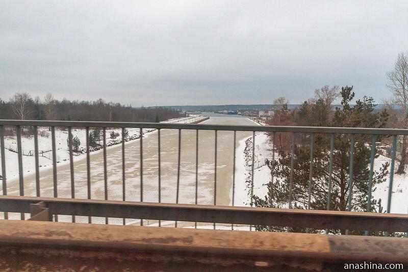 Автомобильный мост в нижней части шлюза № 1 Волго-Балтийского канала