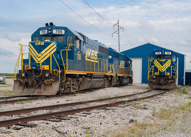 Kankakee, Beaverville & Southern KBS 705 (GP38-2) Iroquois Jct. Donovan, Illinois
