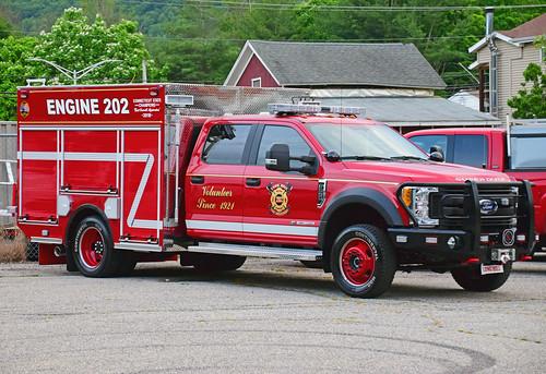 beacon falls ct parade fire truck ford mini pumper long hill trumbull