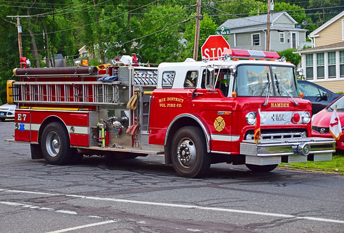 beacon falls ct parade fire truck ford engine hamden mix district
