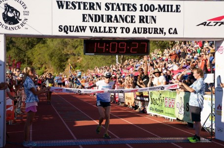 Jim Walmsley vylepšil traťový rekord Western States