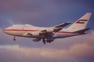 203bm - Abu Dhabi Amiri Flight Boeing 747SP-Z5; A6-ZSN@LHR;23.01.2003