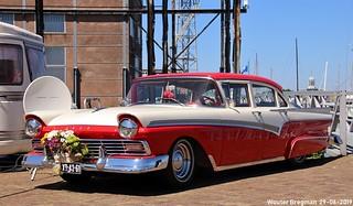 Ford Custom 300 Town Sedan 1957