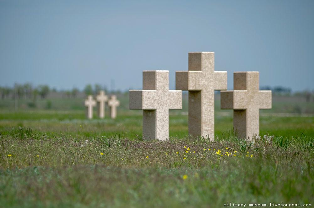 Военно-мемориальное кладбище Россошки под Волгоградом-93