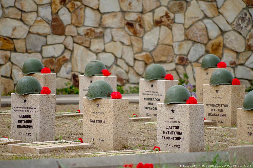 Военно-мемориальное кладбище Россошки под Волгоградом-19