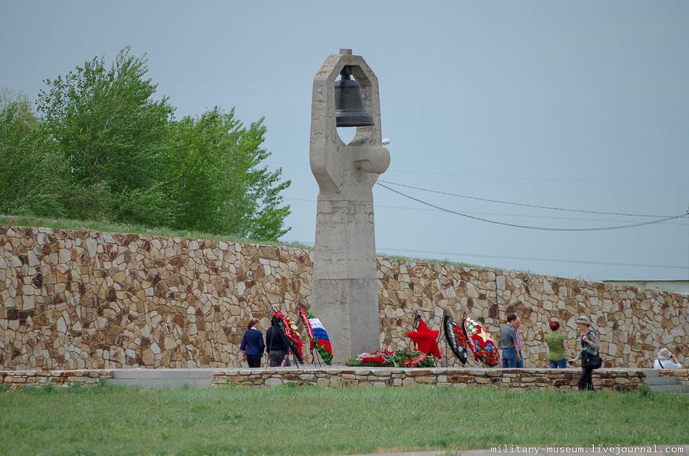 Военно-мемориальное кладбище Россошки под Волгоградом-6