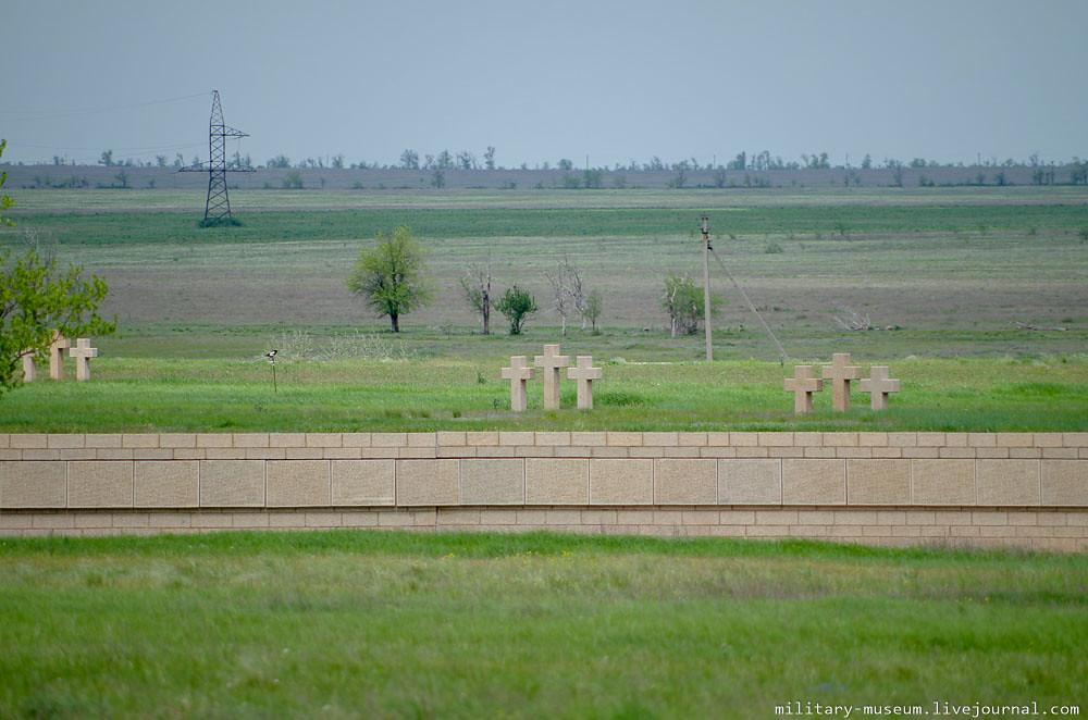Военно-мемориальное кладбище Россошки под Волгоградом-3