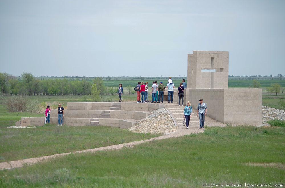 Военно-мемориальное кладбище Россошки под Волгоградом-1