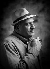 المصور البحريني الاستاذ جلال الحيكي