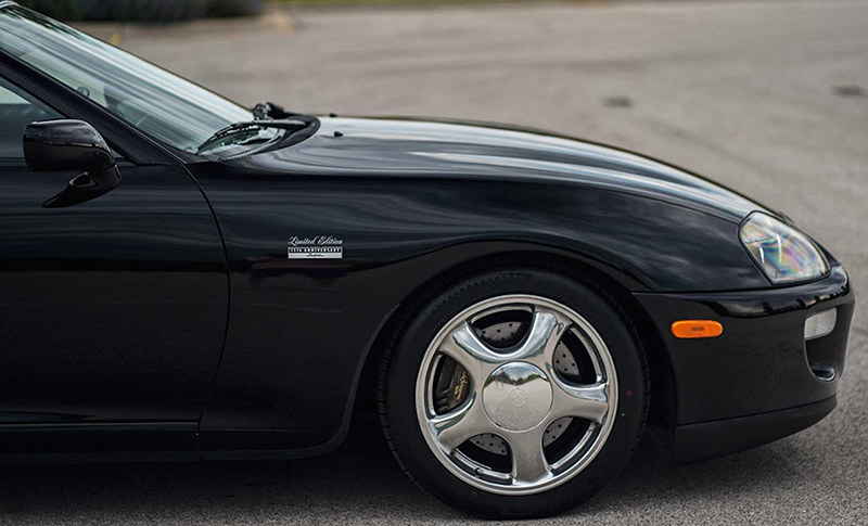 1997-toyota-supra-sold-for-176-000-at-auction (3)