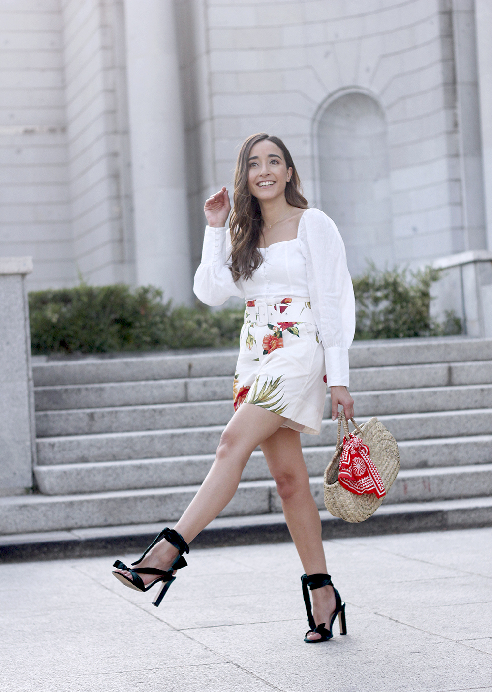 floral print shorts linnen top suede heels street style summer outfit 201911