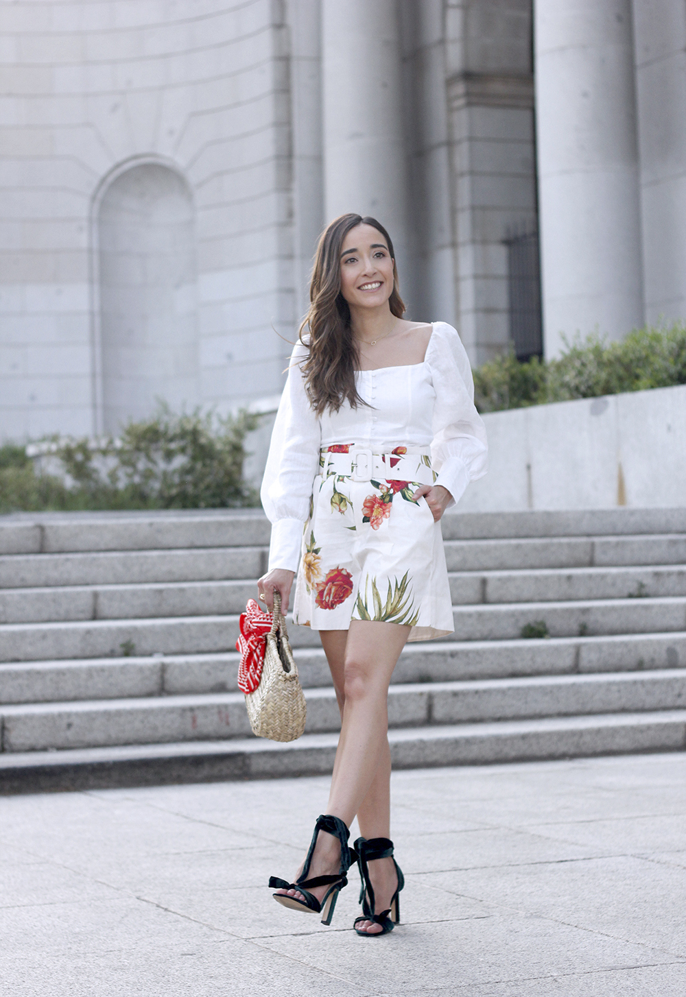 floral print shorts linnen top suede heels street style summer outfit 20195