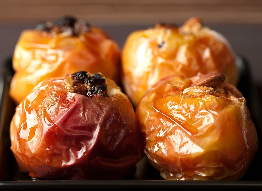 Traditional Romanian Food: Baked Stuffed Apples