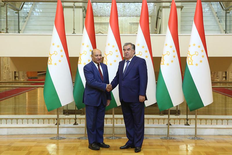 Лидер нации Эмомали Рахмон принял президента Европейского банка реконструкции и развития Суму Чакрабарти