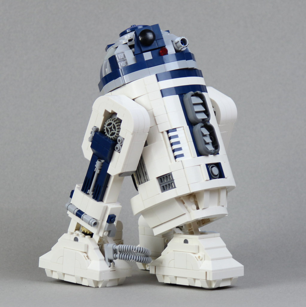 R2D2-2-thirds-view (custom built Lego model)