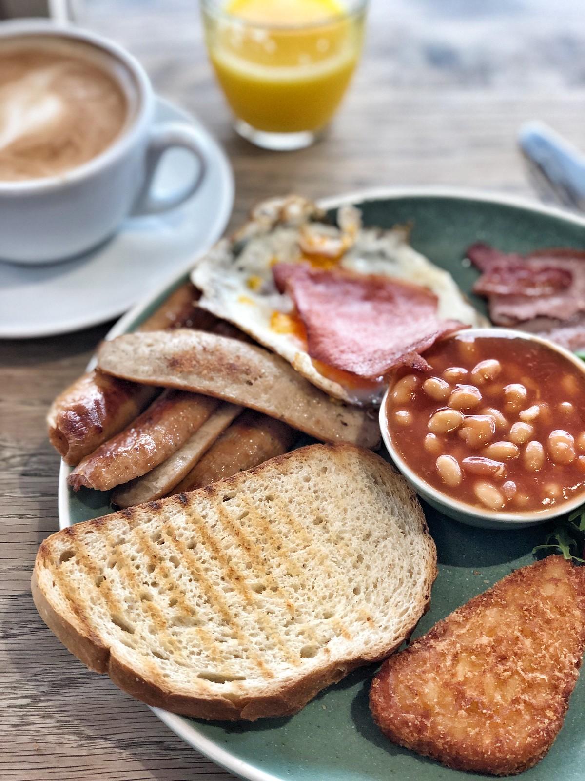 brittiläinen-aamiainen