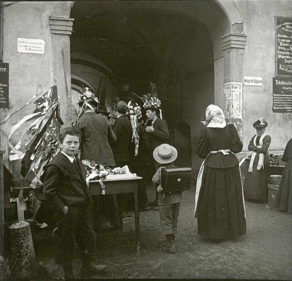 1902. Германия. Санкт-Блазиен. Уличная сценка