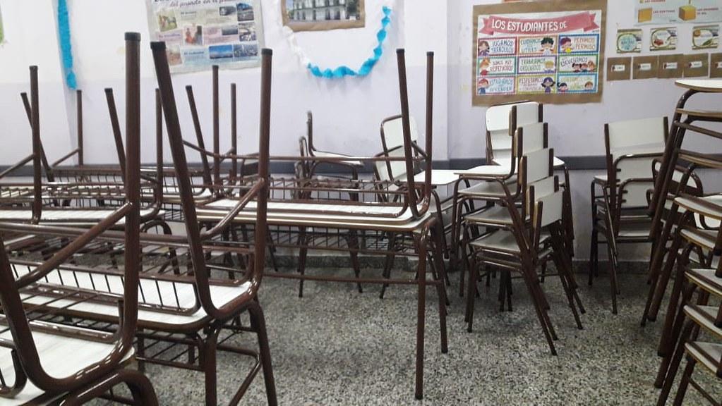 Ya se entregaron más de 3 mil unidades en equipamiento de mobiliario escolar (7)