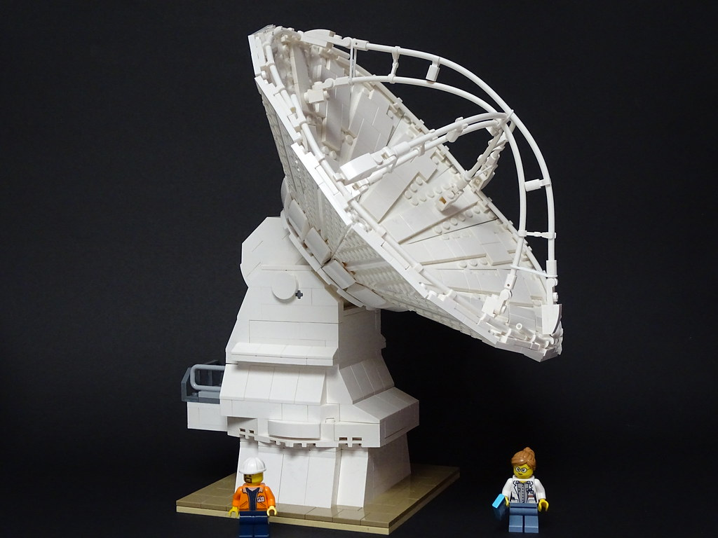European Type of ALMA Antenna (custom built Lego model)