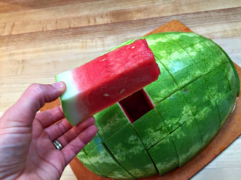 how to slice a watermelon
