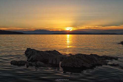 sunset golden sea dusk sun sky clouds rocks adriatic water seascape canon krk croatia hrvatska europe
