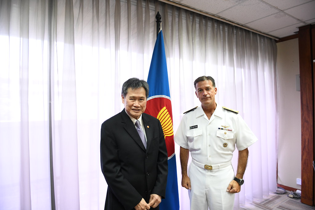 Courtesy Call by US Pacific Fleet Commander, Admiral John
