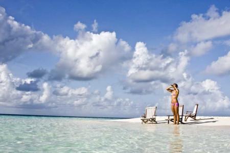 Jen lákavá cena nestačí! Jak nenaletět reklamním trikům a užít si dovolenou snů?