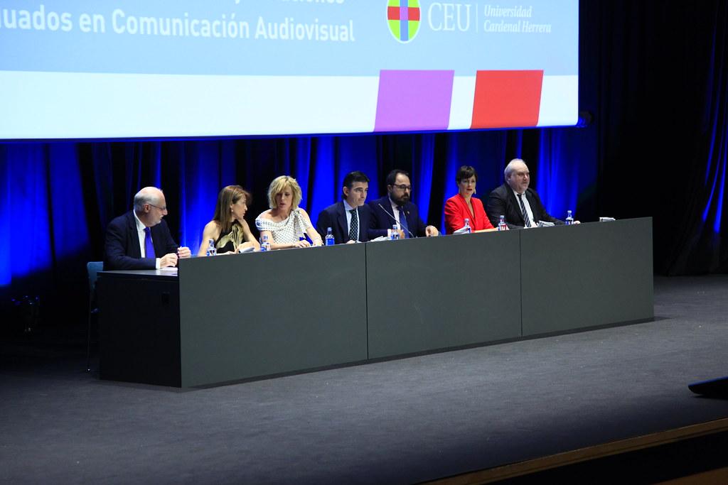 Imposición Becas Graduación Periodismo-Publicidad-Com Audiovisual 2019