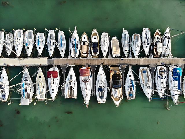 Vitorláskikötő / marina