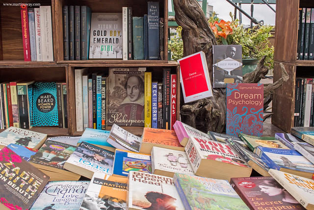 Words on the Water, librerie a Londra