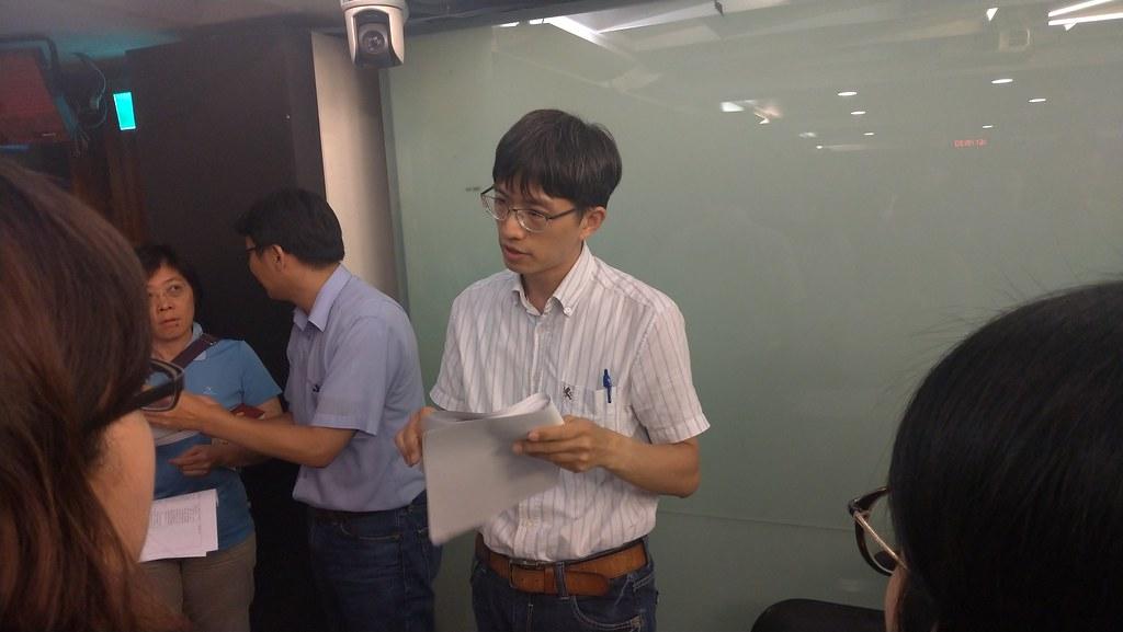 廢管處科長王耀晟強調,實際管理內容還是要看地方政府訂定的規範。孫文臨攝