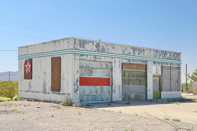 Garage in McNary TX 5.5.2019 0807