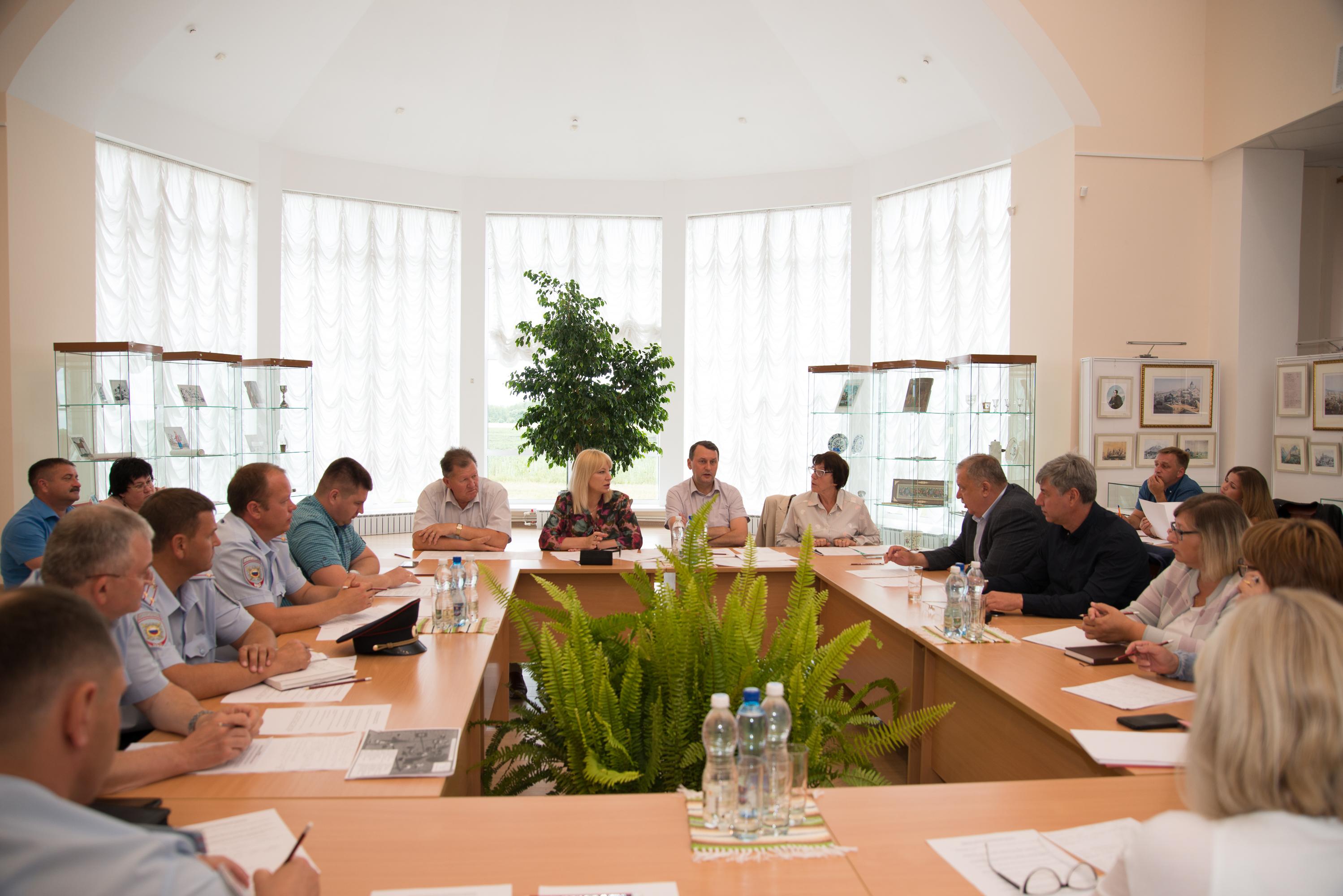 На заседании оргкомитета по проведению в Тарханах XLVIII Всероссийского Лермонтовского праздника