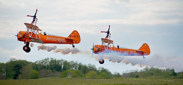 AeroSuperBatics Wingwalkers Smokin'!